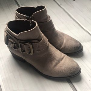 Carlos taupe bootie boots size 6